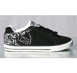 Globe skate shoes Detour